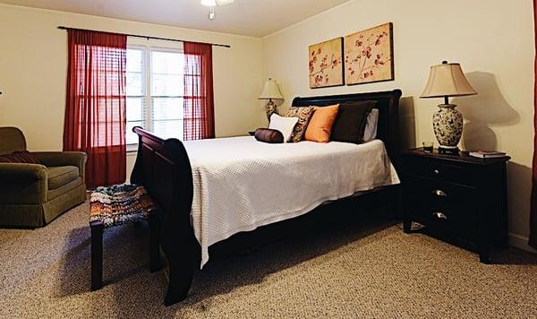 johnny-oxford-spotlight-photo-bedroom