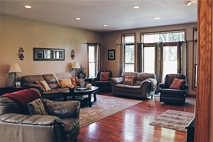 Julie-Homeowner-Spotlight-Living-Room.jpg