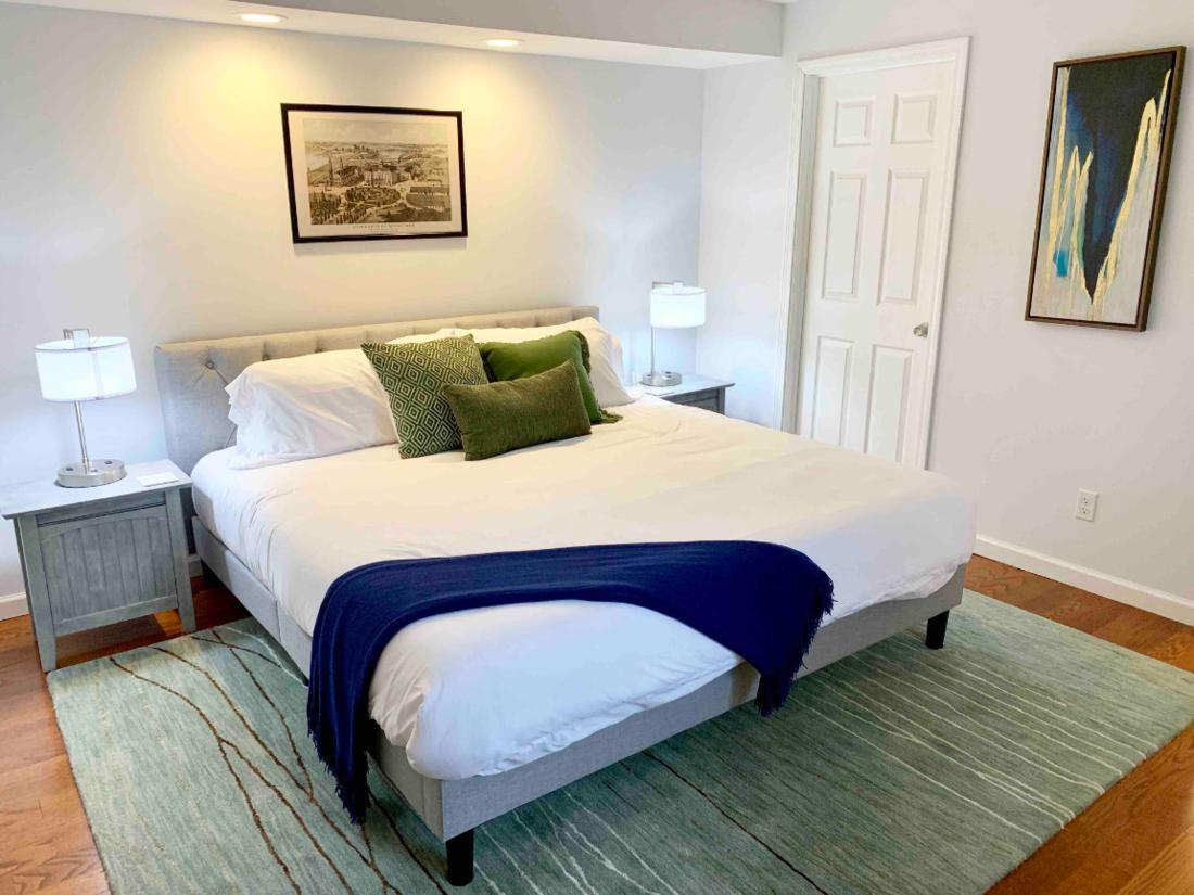 Notre Dame Open Plan Bedroom Feature