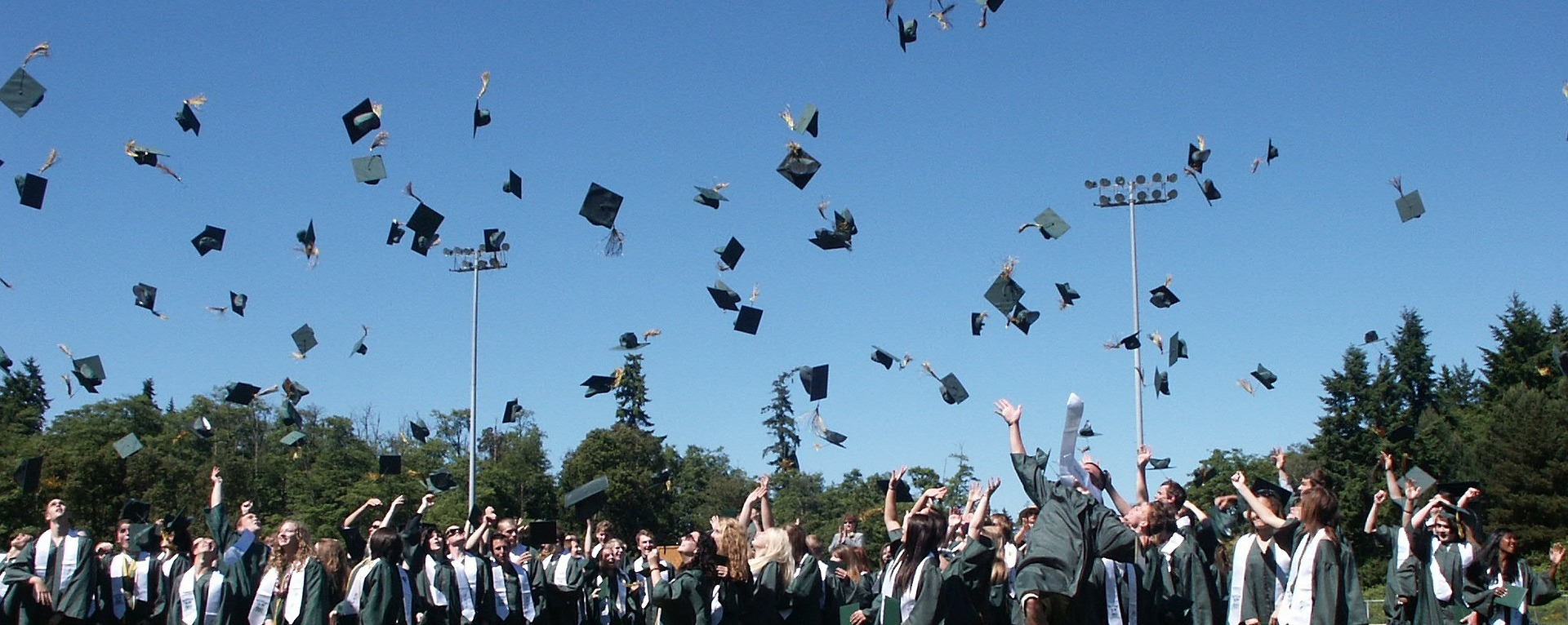 graduation-995042_1920-1